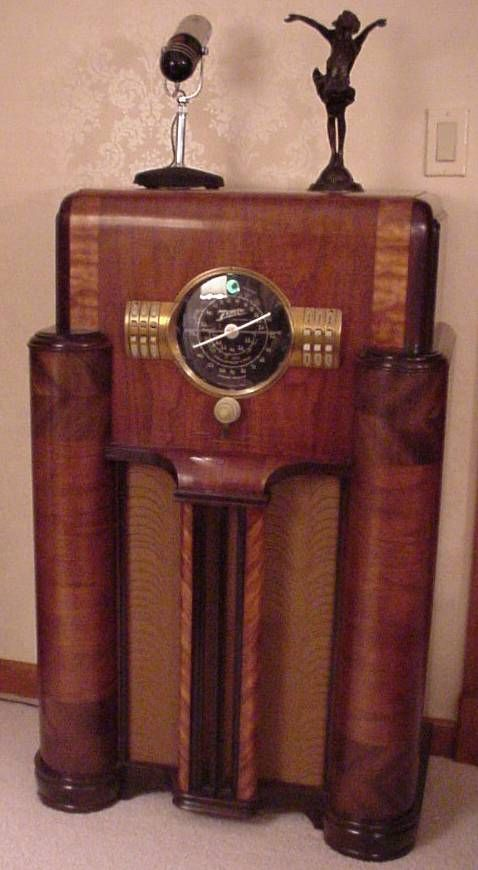 Very old cabinet style radio
