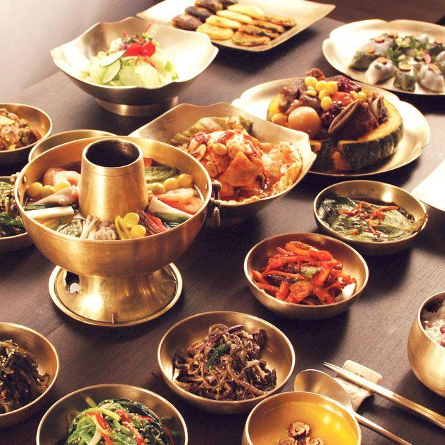 Korean traditional dining set taste deli pinterest for Traditional korean kitchen