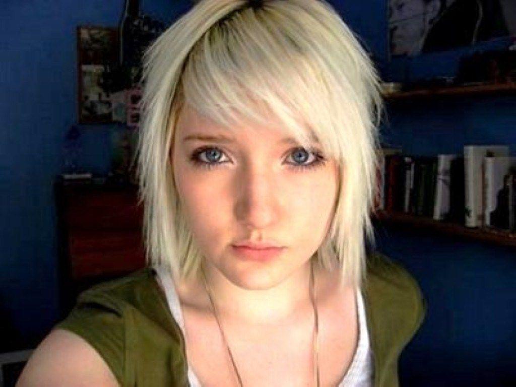 Cute Short Emo Hairstyles  Short emo haircuts, Emo haircuts