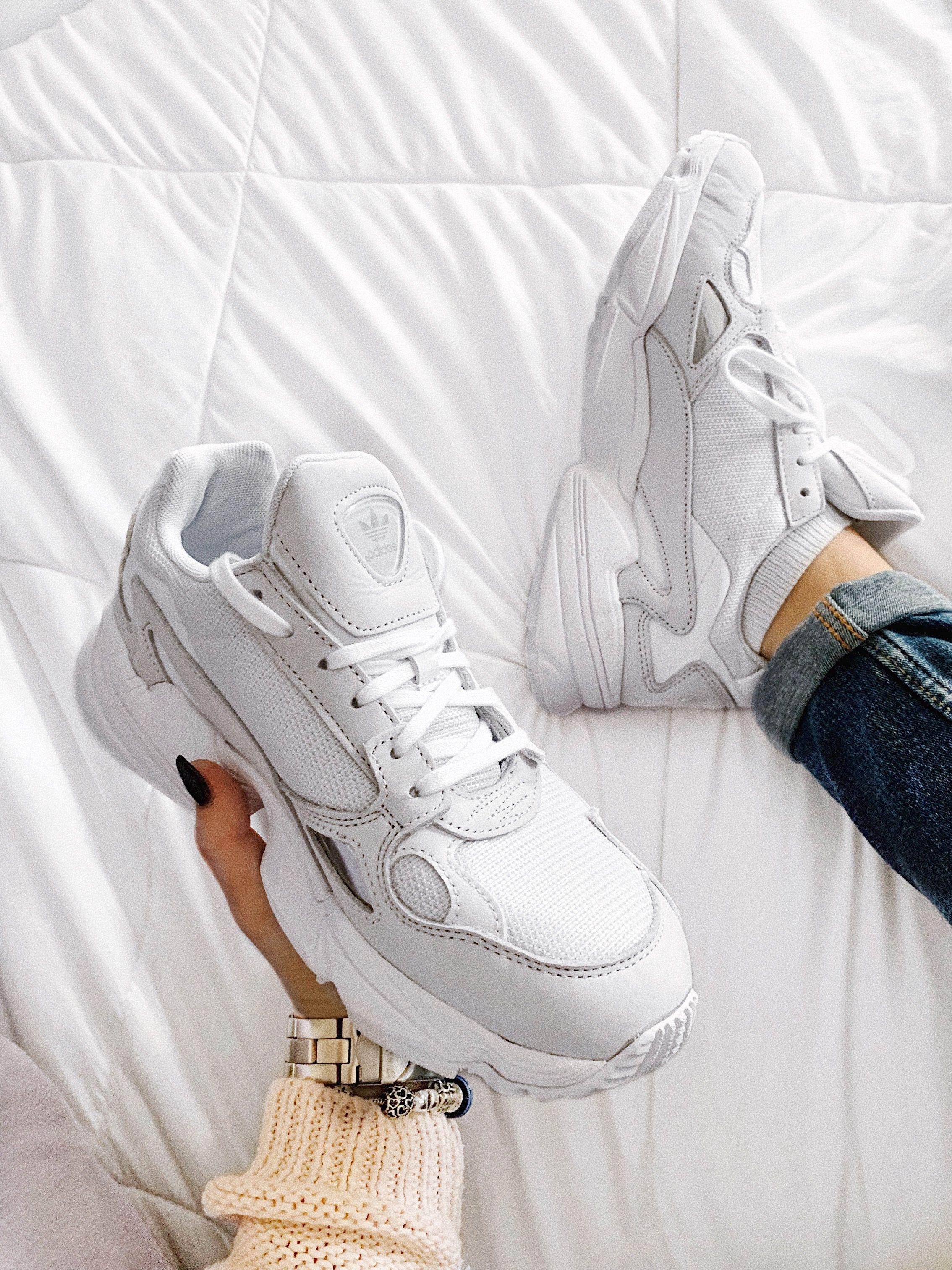 Chaqueta Interpersonal literalmente  Adidas Falcon | Sneakers nike, Cute shoes, Sneakers
