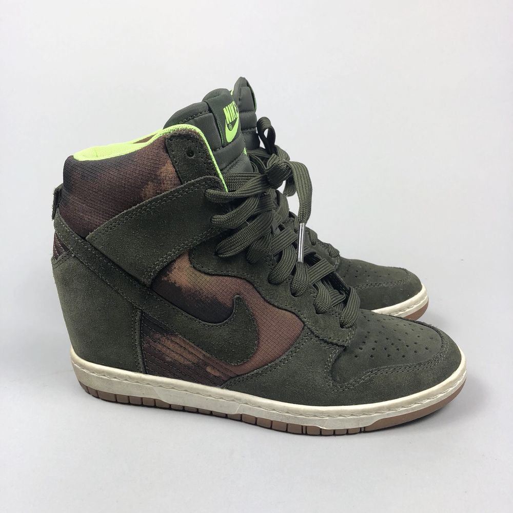 cd0a3f858bf238 Nike Dunk Ski Hi Green Camo Print Womens Wedge Sneakers Size 7 US ...