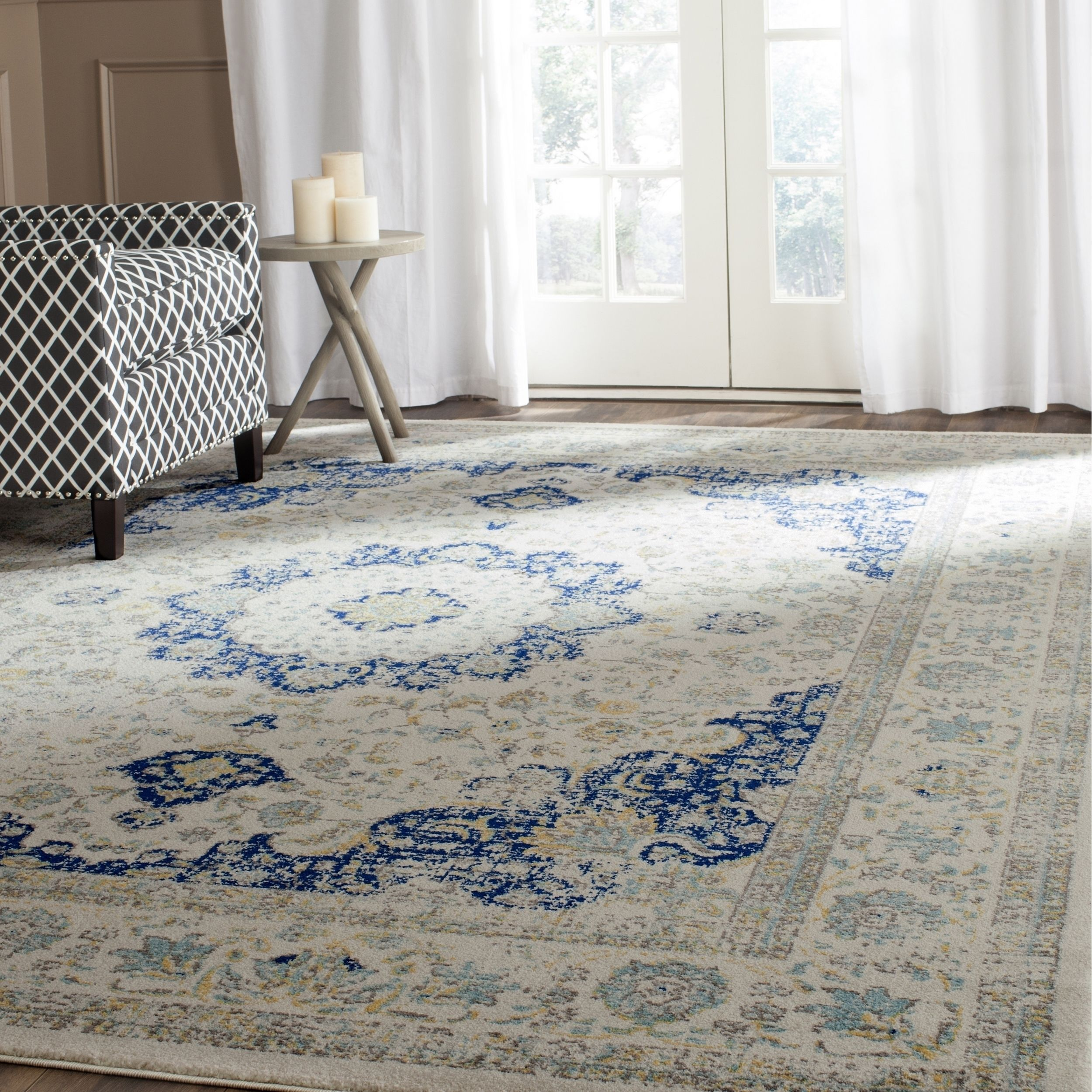 Safavieh's Evoke collection is inspired by timeless vintage designs crafted with the softest polypropylene available.