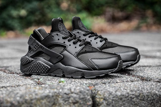nike huarache trainers foot locker