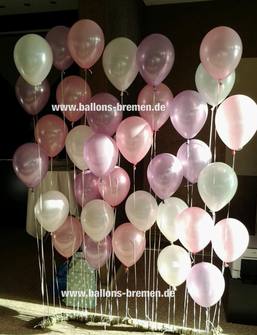 Ballonwand Aus Luftballons Mit Helium Gefullt Ideal Fur Hochzeiten Und Diy Die Ballons Werden Einfach An Einem Ast Ballonwand Helium Luftballons Luftballons