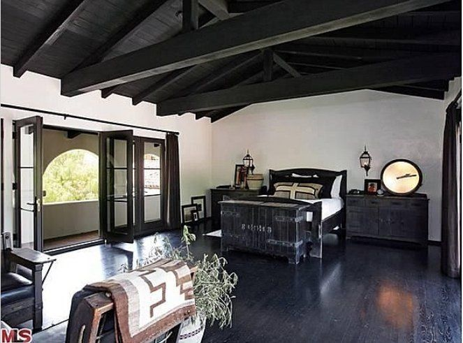   diane keaton rebaja dos millones (un 15%) el precio de su mansión de ...