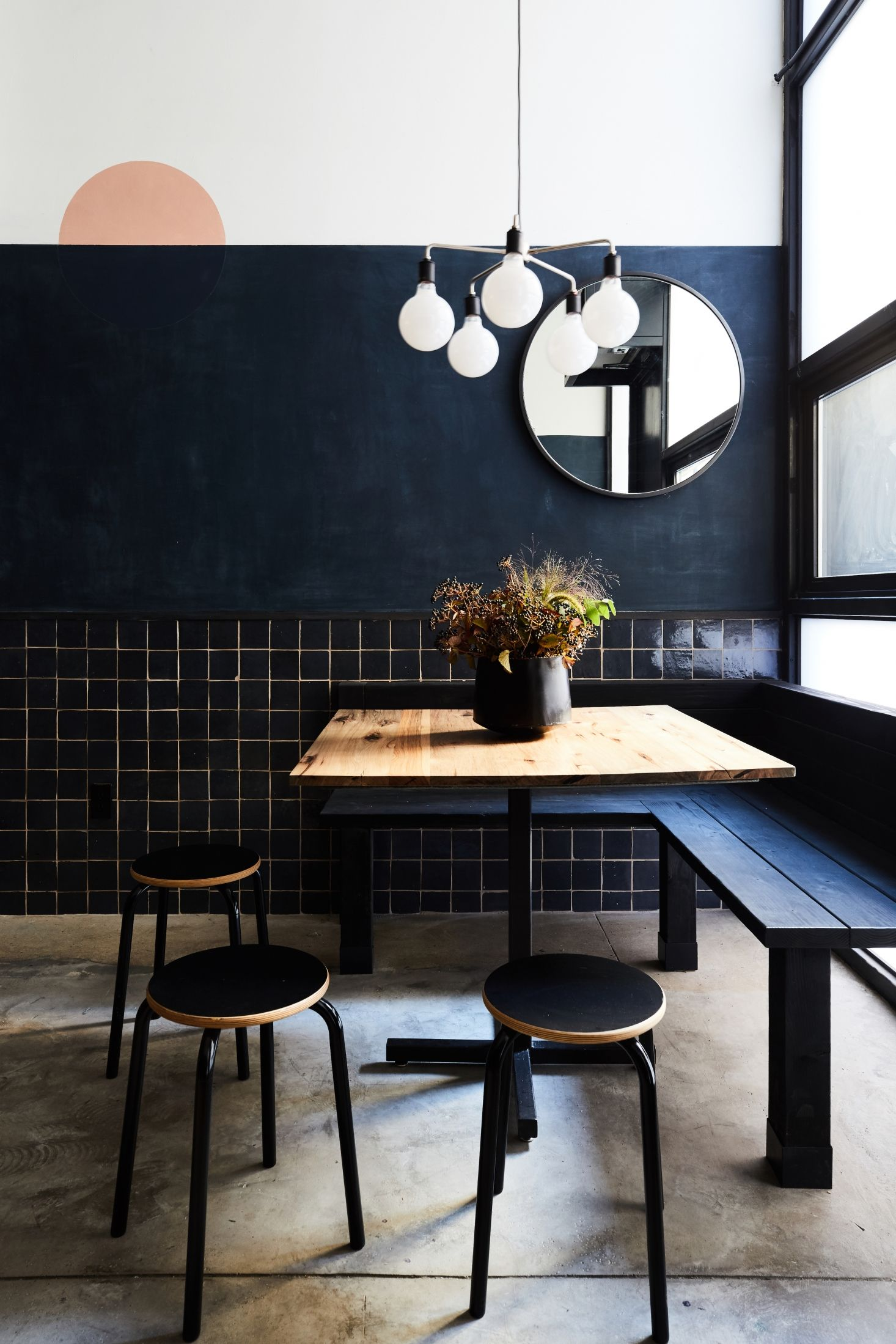 Bistro Esszimmer Am See 9 Design Ideas For Small Dark Rooms From Tonchin New York