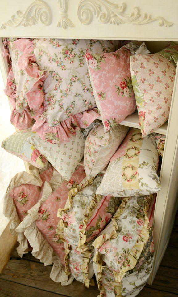 chintzy kissen pinterest kissen dekoration und kissenh llen. Black Bedroom Furniture Sets. Home Design Ideas