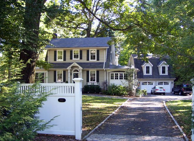 Roots Of Style Dutch Colonial Homes Settle On The Gambrel Roof Dutch Colonial Homes Dutch Colonial Exterior Colonial Exterior