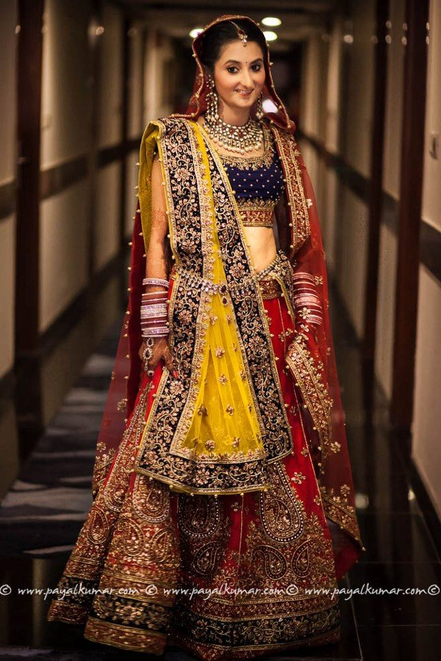 #wedding what a happy explosion of beautiful color! Yellow and red and dark blue! Amazing