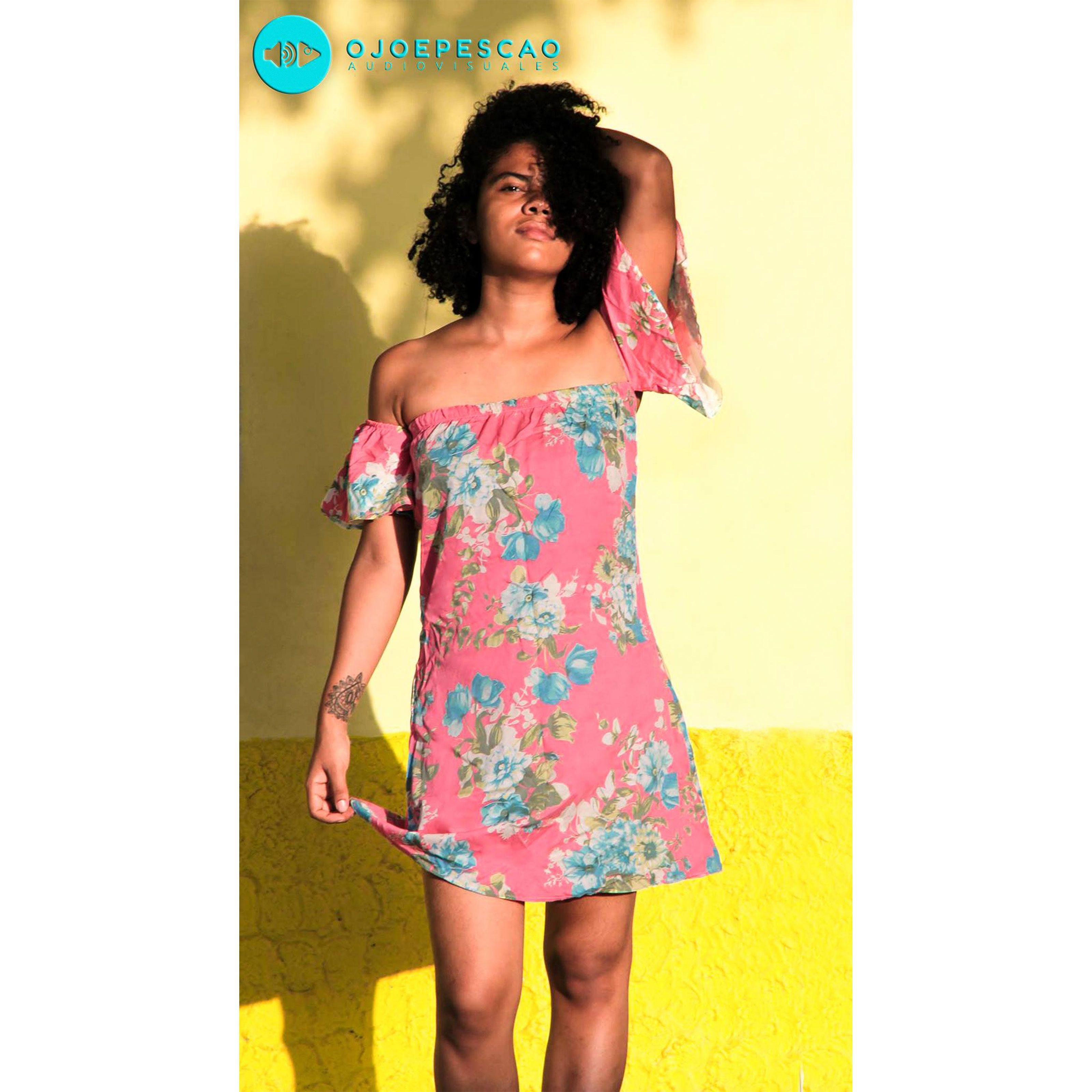 aa14a2f8e56c3 Vestido estampado manga campesina - Talla M Prenda única disponible para  entrega inmediata  KIKAMAGA  Vestido  Mujer  Dama  Flores  Flowers  Girls   Tropical ...