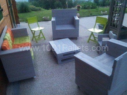 Mon Salon De Jardin Et Son Coffre / My Garden Lounge & His Chest ...