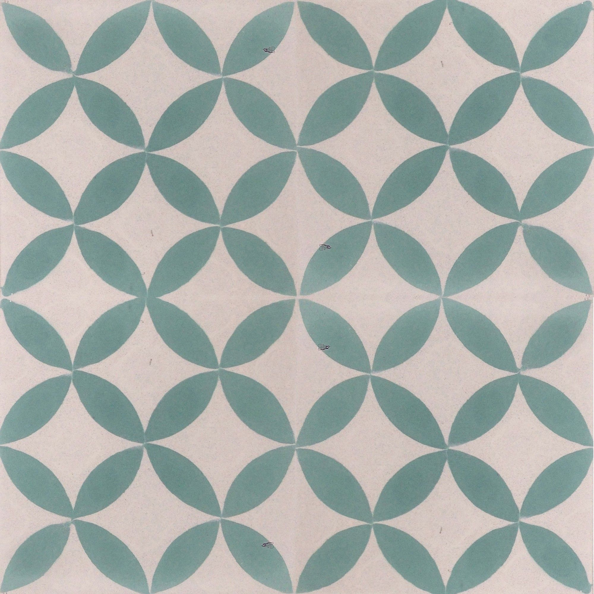 The bold contrasts in this floral / star design makes for the ...