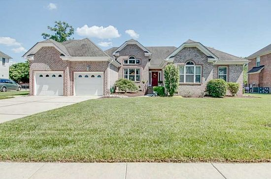 New Listing 508 Brentwood Arch Chesapeake Va 23320 All Brick Ranch In Greystone Community Mls 1630763 Estate Homes Brick Ranch House Styles