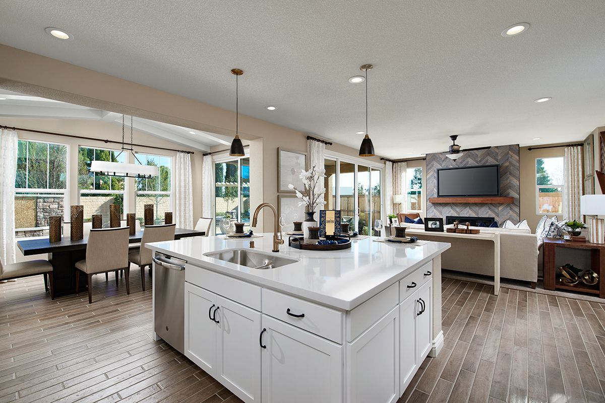 Broad Center Island In 2020 Log Home Kitchens Richmond American Homes American Home Design