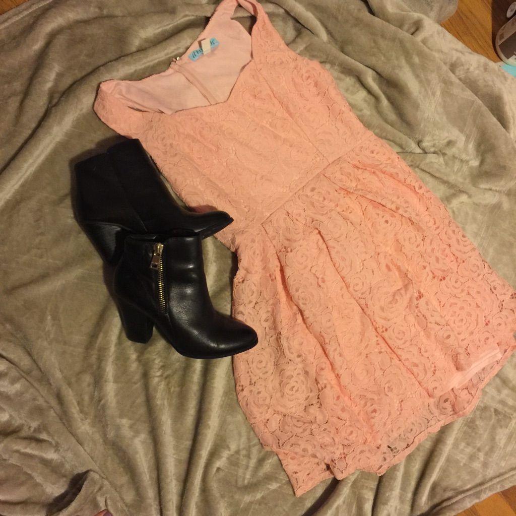 Peach Sweetheart Neck Lace Dress