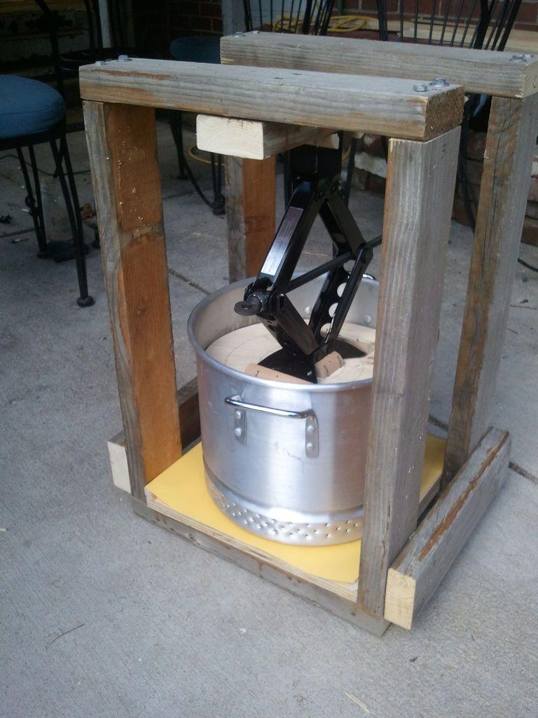 Grape crusher wine press homemade wine and homemade for Home wine press