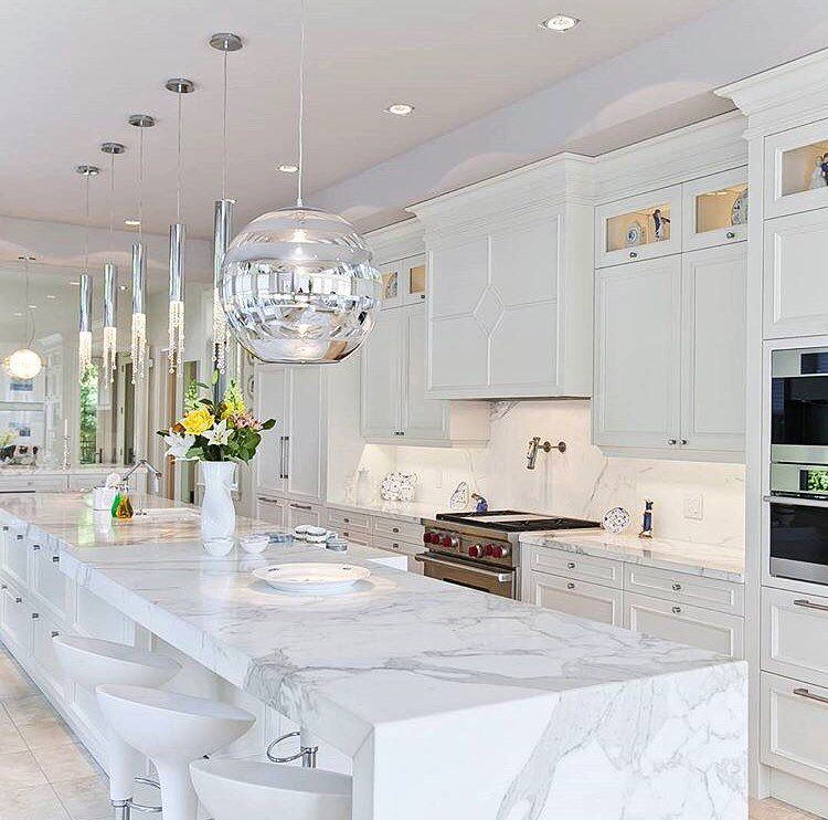 really like the quartz counter with the white cabinets and the light colored flooring with on kitchen island ideas white quartz id=13604