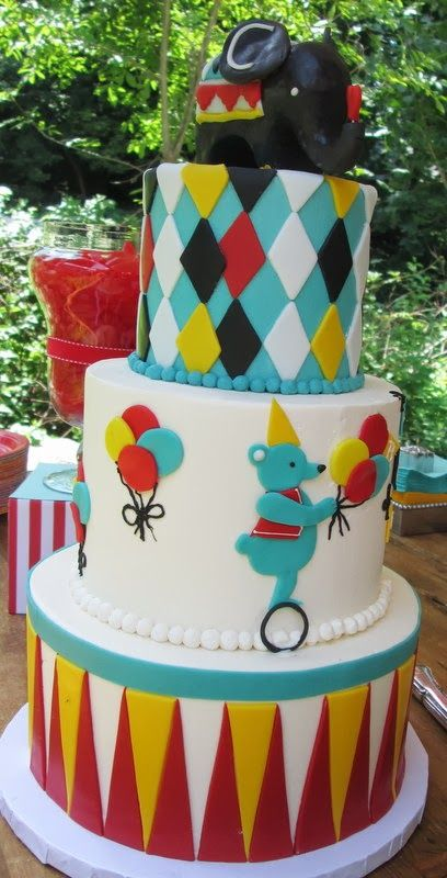Circus themed Birthday Party Circus party cake Little Boy