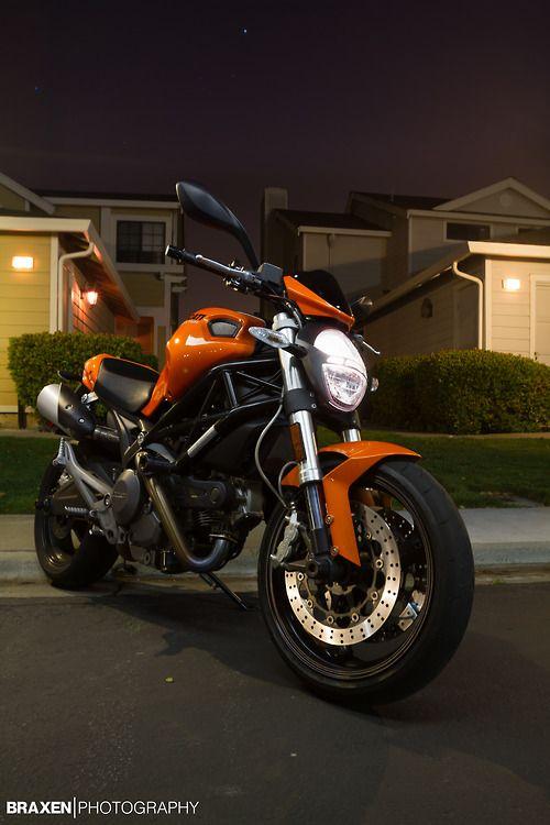 Scrambler Orange Ducati Monster 696