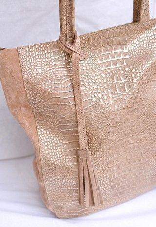 2efcf4bf2 SHOPPING BAG. Cartera de cuero croco nude y dorado con gamuza nude ...
