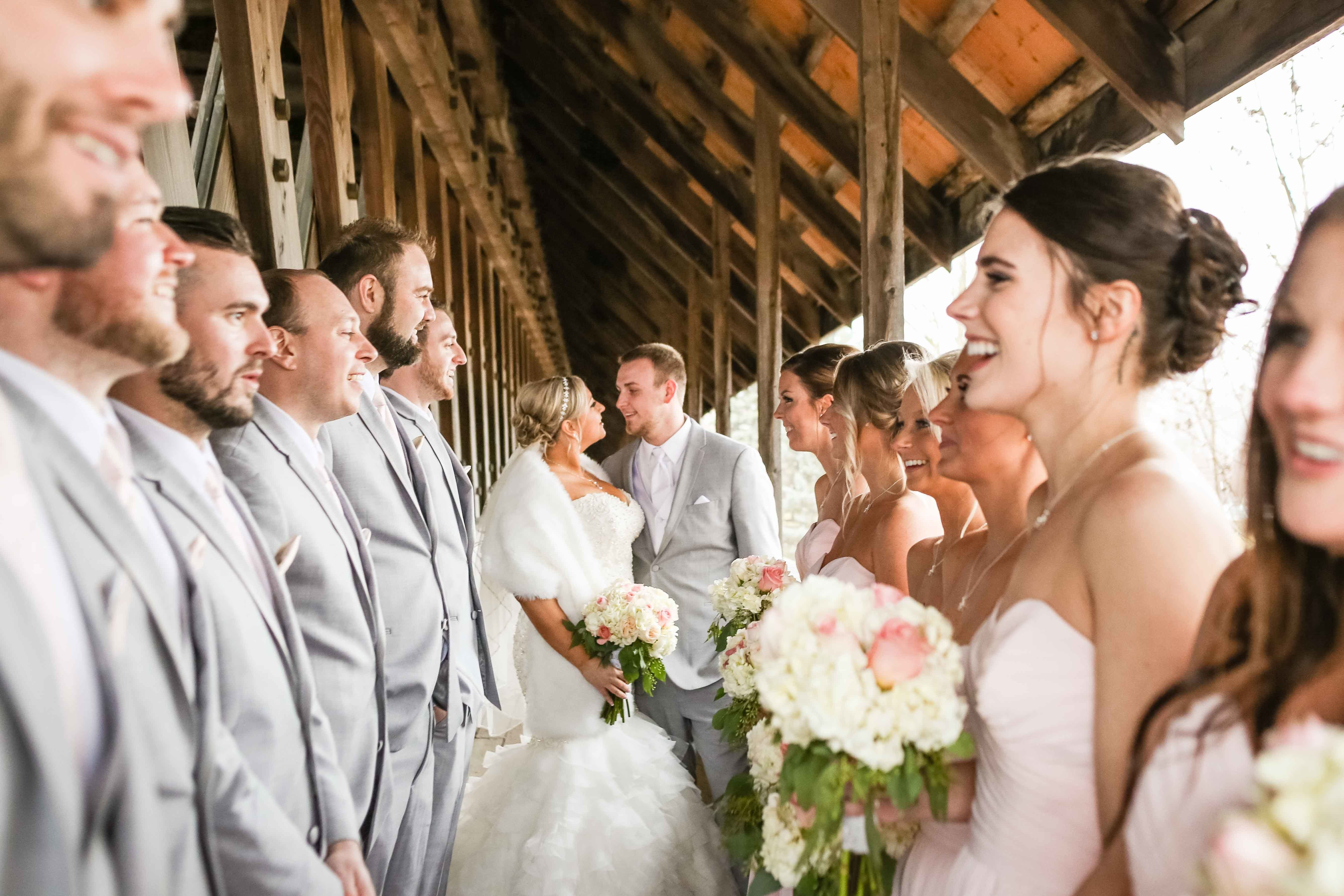 Wedding Party Bridal Party Pictures Bride And Groom Bridesmaids Groomsmen Posin Bridal Party Groomsmen Wedding Parties Pictures Wedding Photography Styles