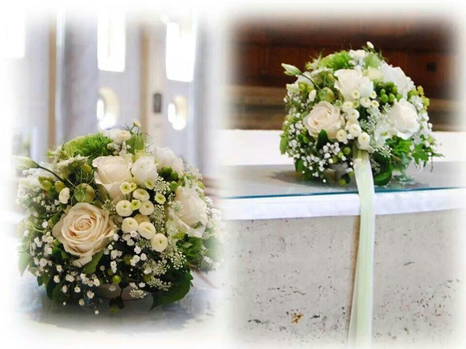 Blumenschmuck Kirche Grun Weiss Hochzeitsdeko Wedding Bouquet