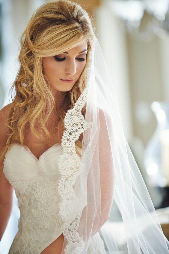 Brautfrisuren mit schleier und blumen  brautfrisur hochzeitsfrisur btautfrisuren mit schleier | Hochzeit ...