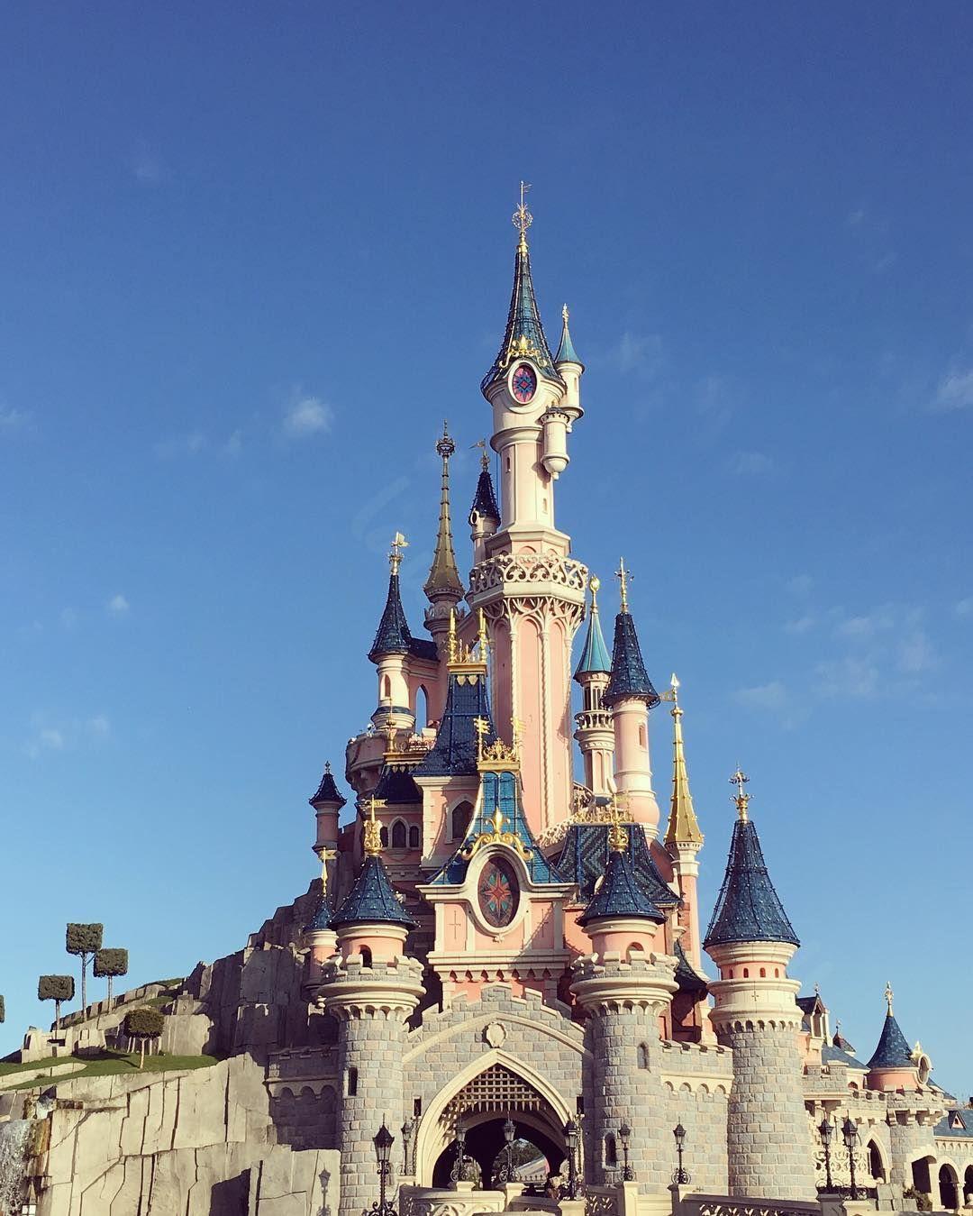 Disneyland Resort Paris:)