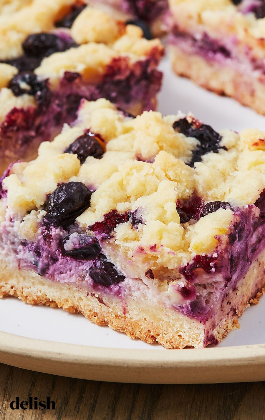 lemon blueberry desserts cheesecake bars zitronenblaubeerdessertkäsekuchenstangen lemon blueberry desserts cheesecake bars Bars desserts lemon  Curd desserts lemon...
