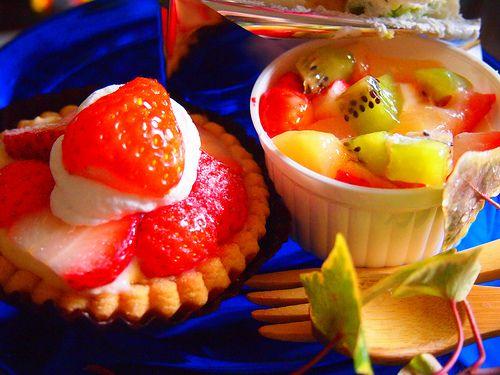 strawberry tarte,fruits pannacotta.blue plate.