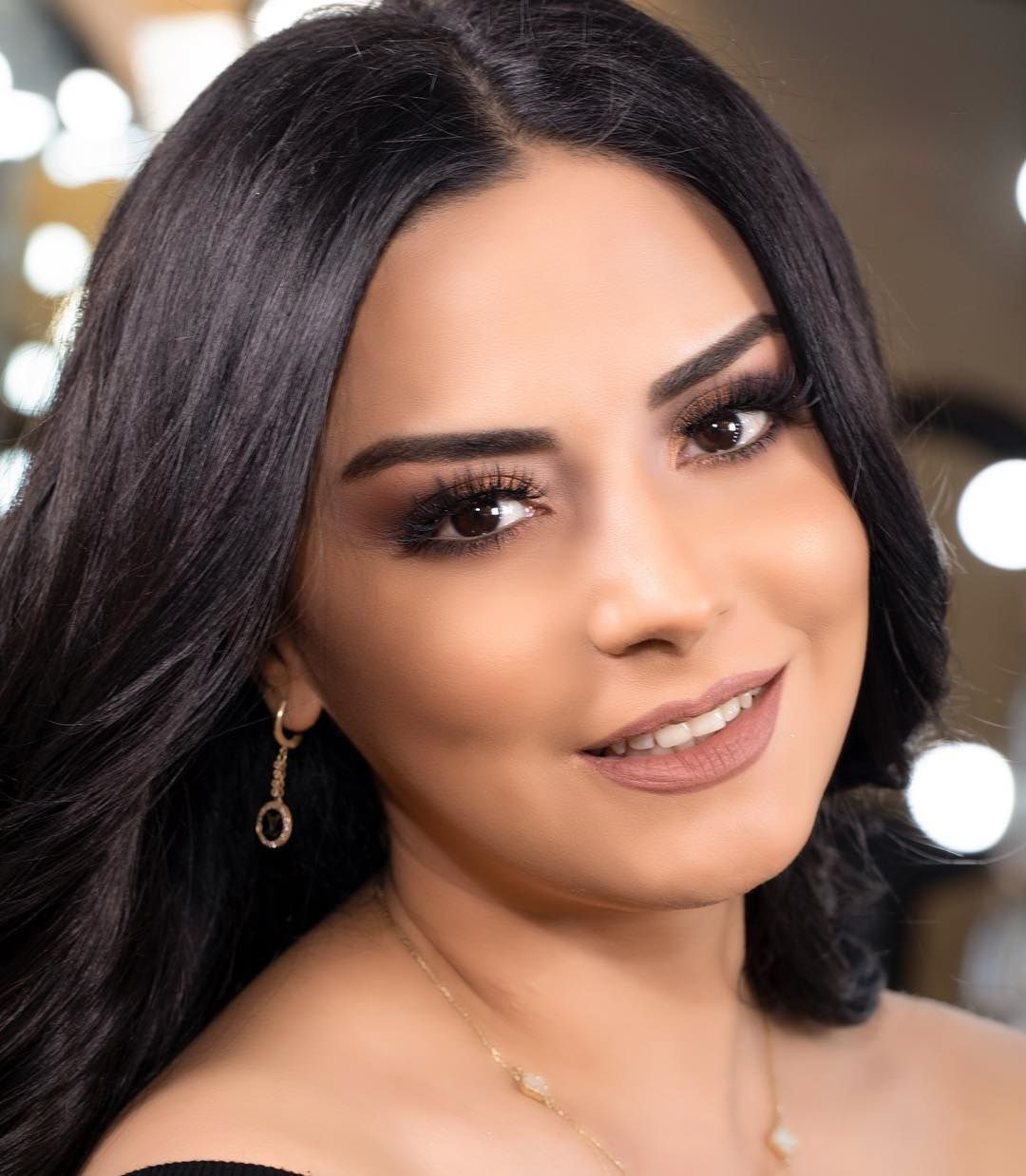 Vusala Alizade TV presenter Azerbaijan