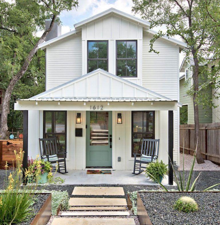 110 Best Farmhouse Porch Decor Ideas 8 | Plans de ferme modernes, Maisons de campagne minuscules