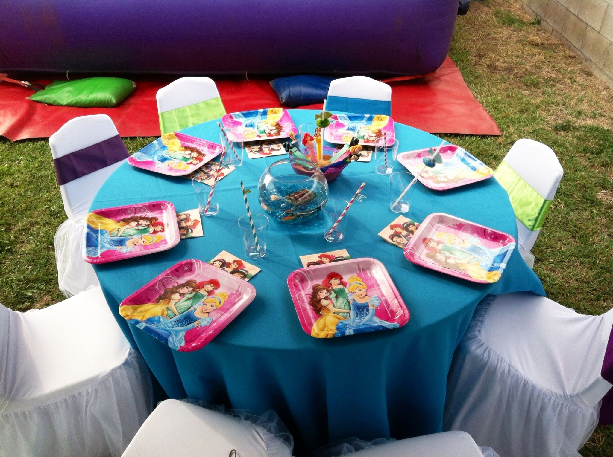 Little mermaid party ariel party under the sea for Ariel birthday party decoration ideas