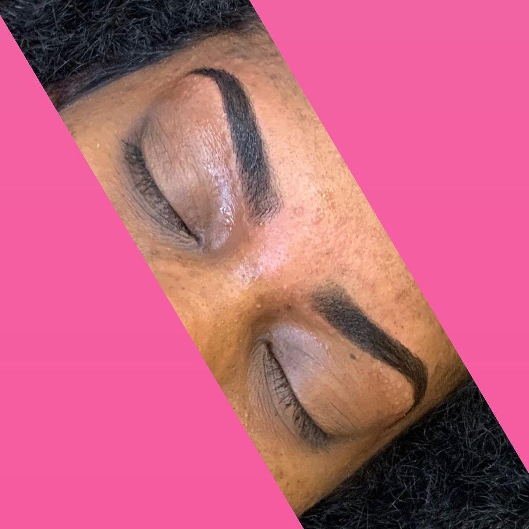 "FreakedByNiq on Instagram: ""B R 💎 W S 🧚🏽  • • • • • #FreakedByNiq #BrowBabe #BrowArtist #BrowGod #freak #hairremoval #Eyebrows #BrowWax #BrowTint #Beauty #Waxing…"""