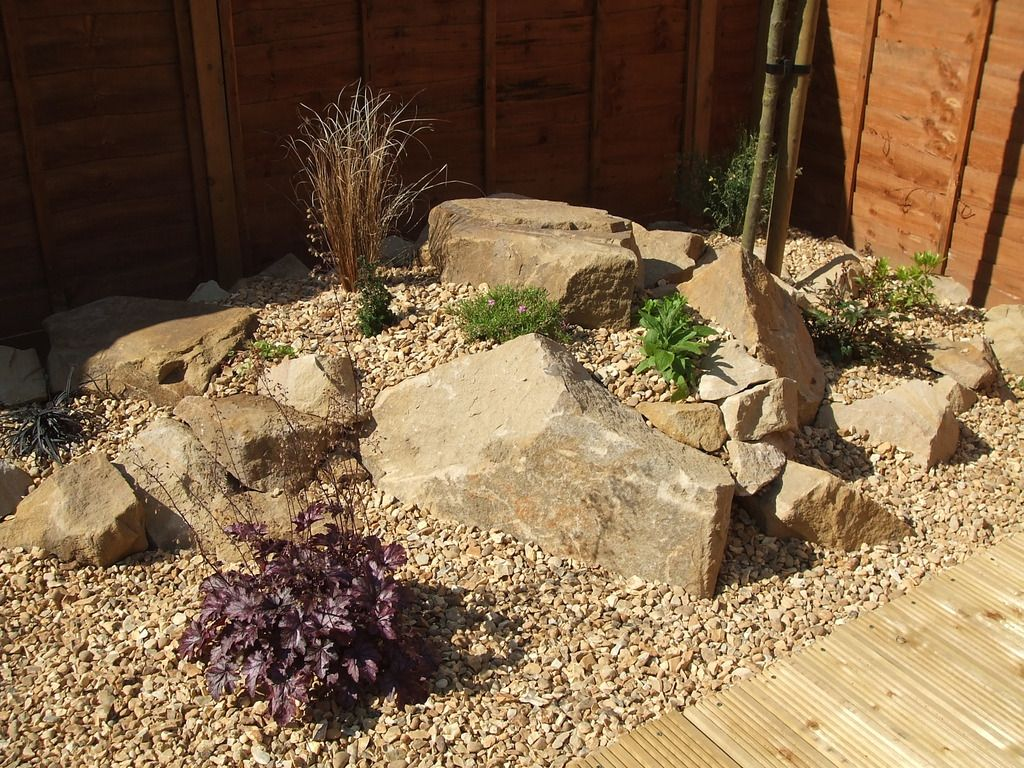 A rockery suited to alpines Rotstuin Pinterest Gardens