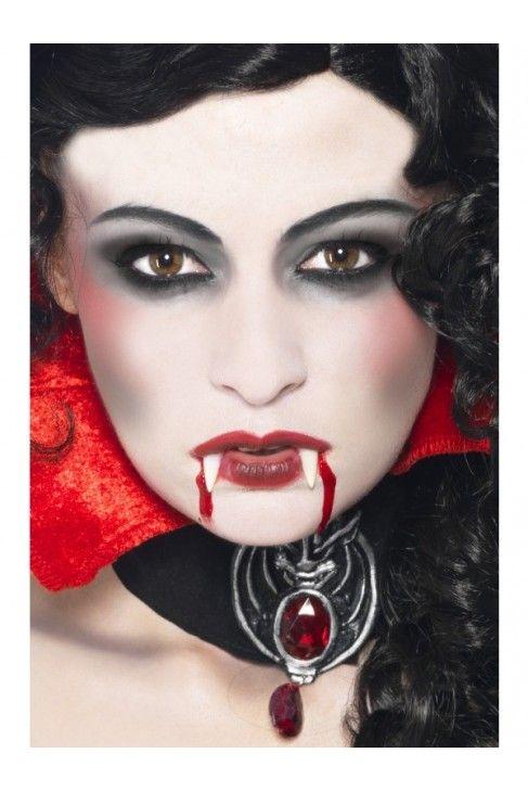 maquillage vampire noir et blanc