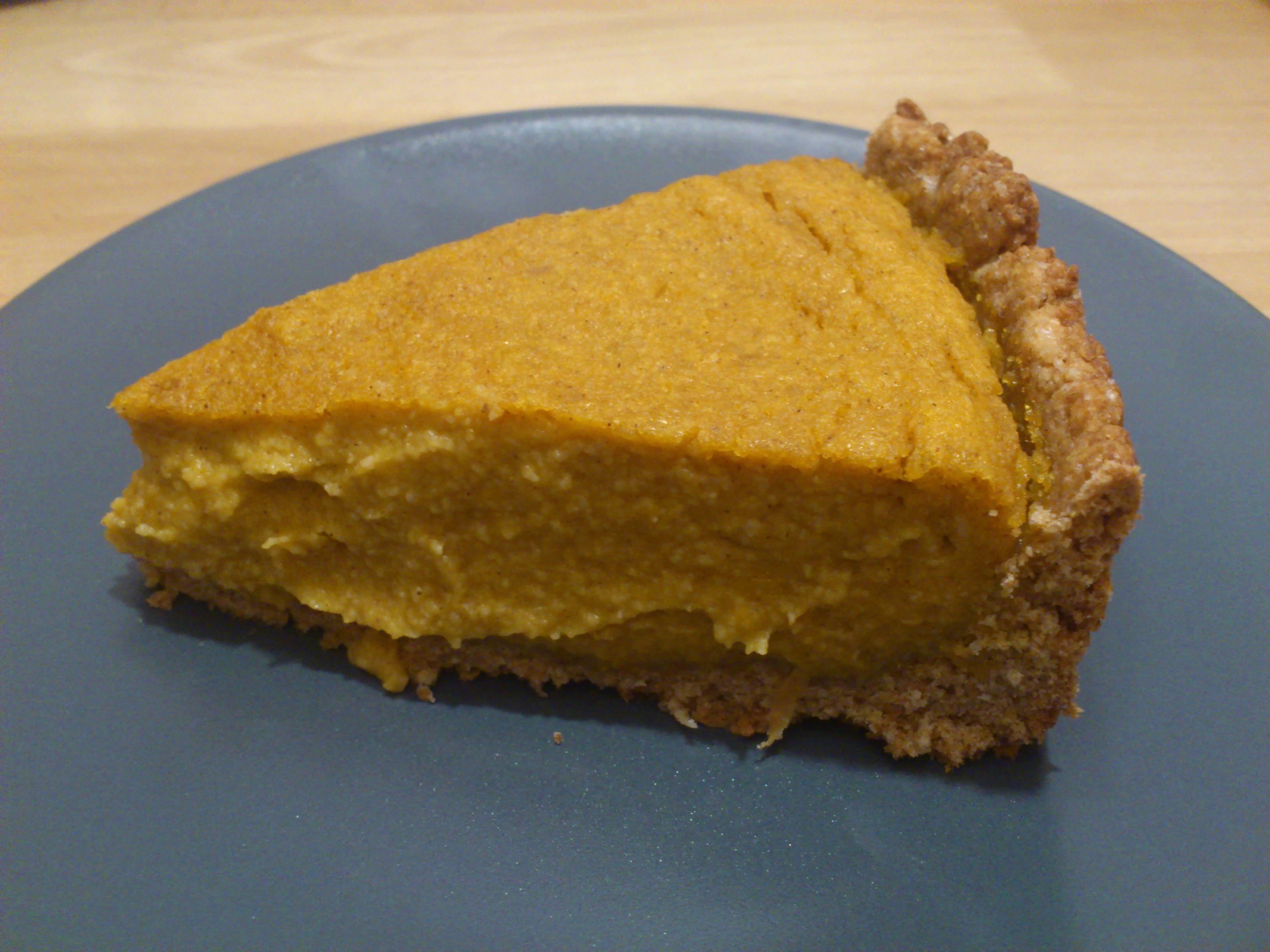 Veganer Kürbis-Cashew-Kuchen » Herbst ist auch Kürbiszeit und ich finde es toll, dass sich dieses ...