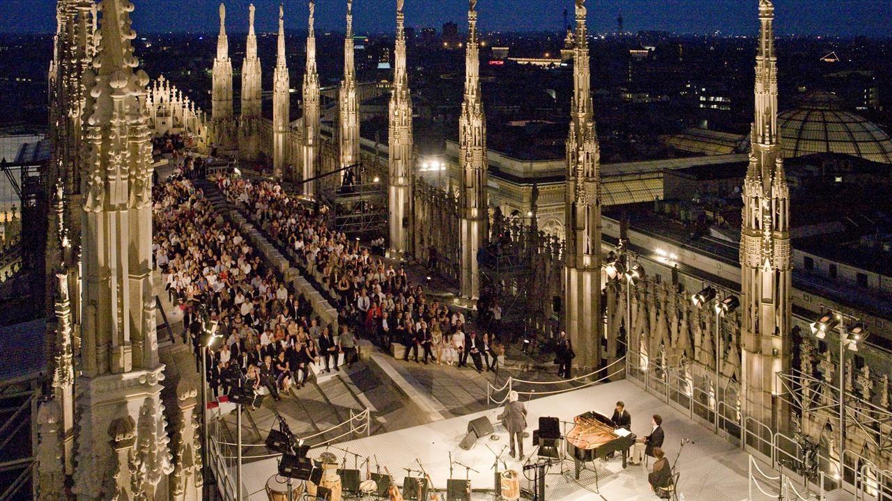 Duomo Cathedral rooftop concert, Milano | milano milan mailand ...