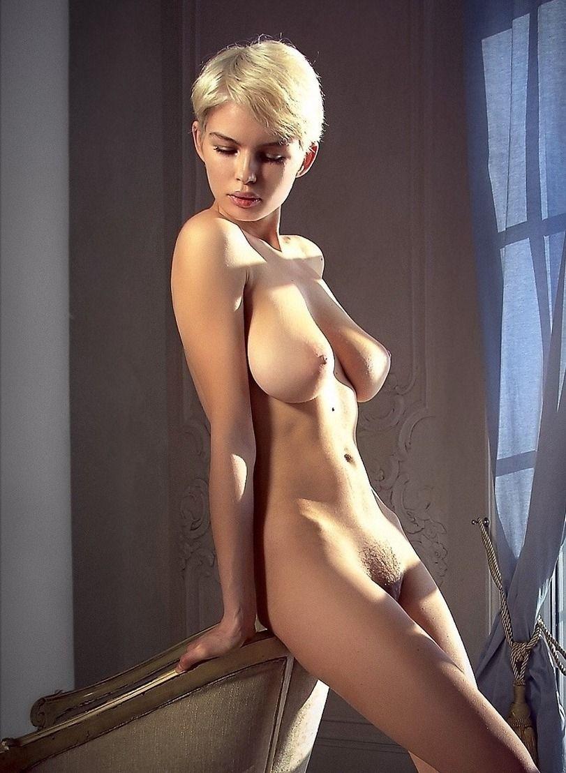 Short Hair Blonde Nude