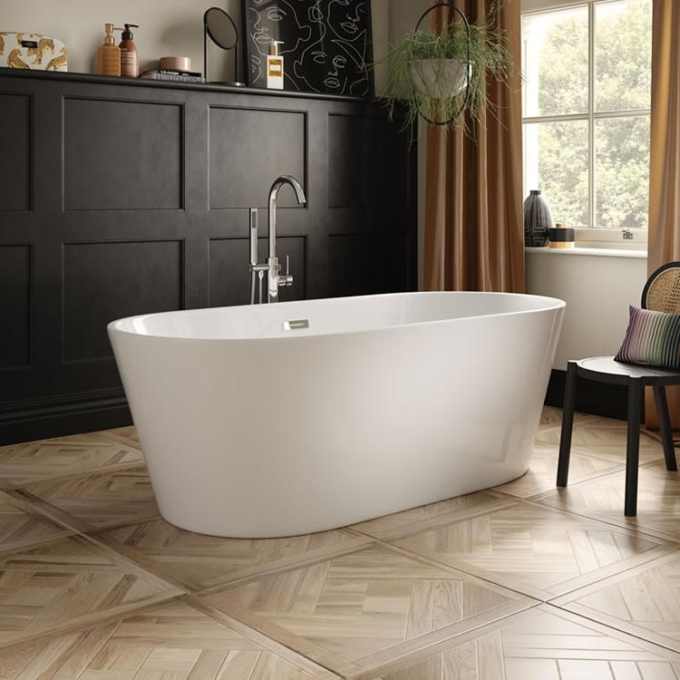 The White Space Como Freestanding Bath