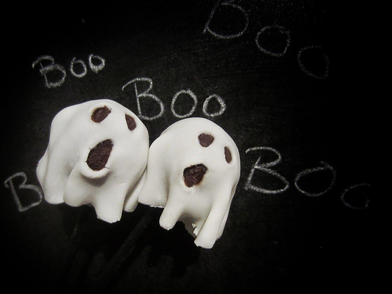 Piparkakkutalon akka - ruokablogi: Gluteenittomat kummituskakkutikkarit