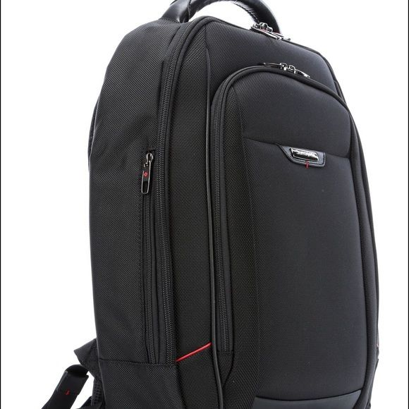 Samsonite backpack Perfect for commuters and students, holds my computer and textbooks! Pre loved condition, take it home! Samsonite Bags Backpacks