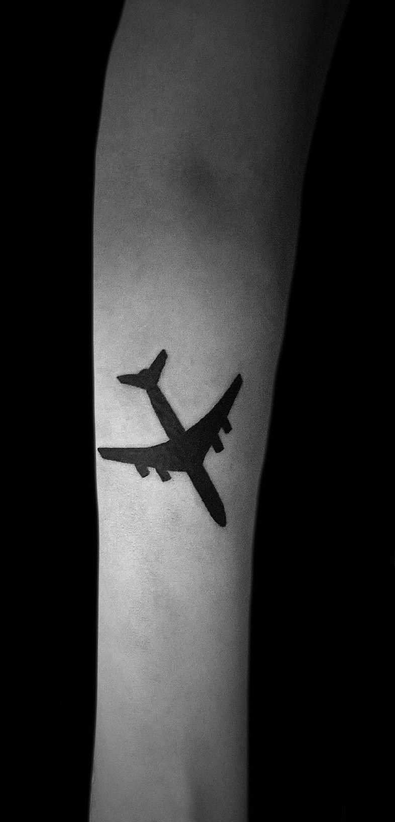Samolot Tatuaż Wykonany W Studiu Time4tattoo Wwwtime4tattoopl