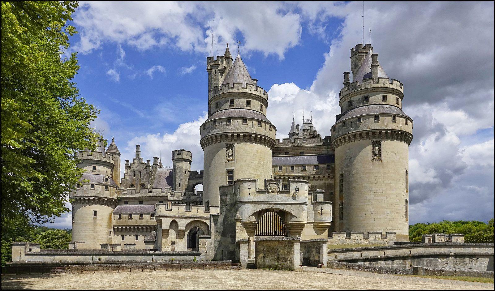 Chateau De Pierrefonds Day Trip From Paris Day Trips Paris Travel