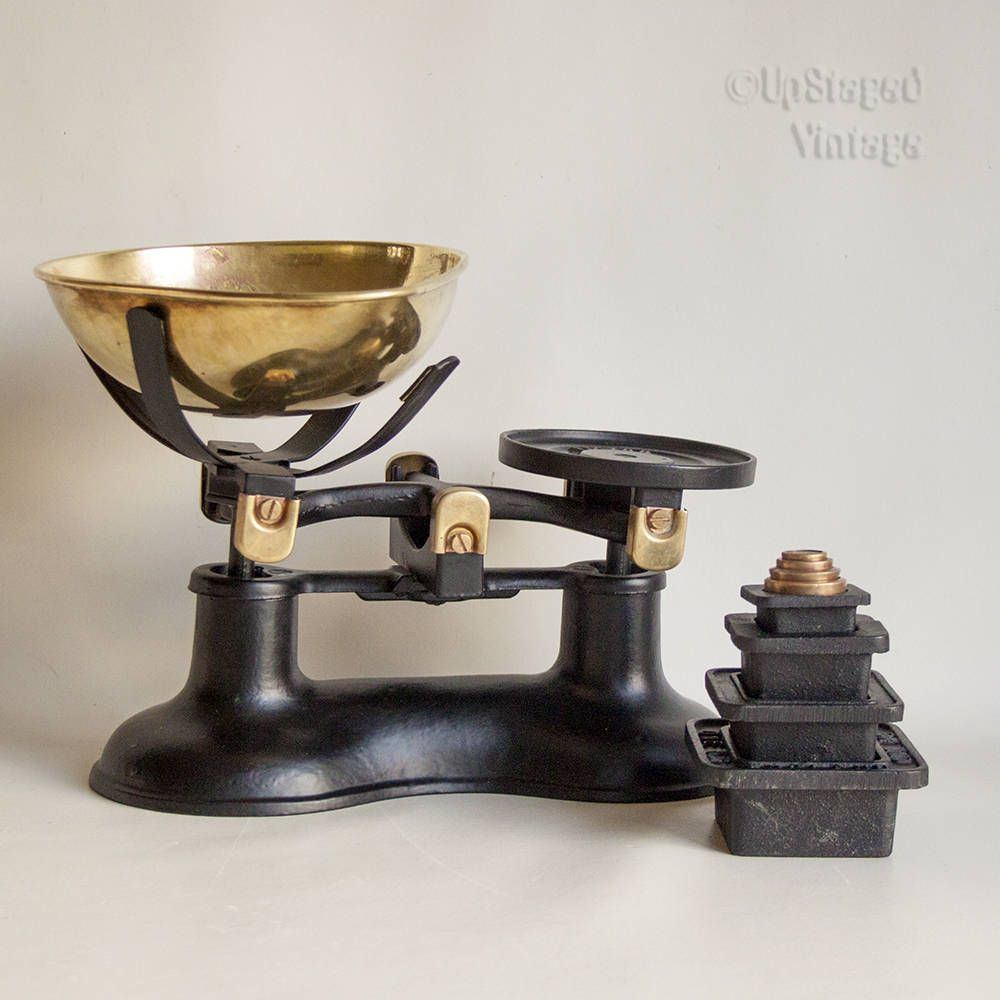 Vintage Victor Black Cast Iron And Brass Kitchen Scales And Square Metric Victor Weights By Upstagedvintage On Etsy Brass Kitchen Cast Iron Kitchen Scale