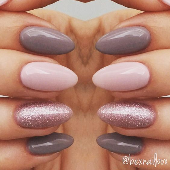 "22 Me gusta, 3 comentarios - Rebecca (@bexnailbox) en Instagram: ""Gel Nails... Polish - Bluesky Polishes 63921 QXG210 'Lace' 63903 'Fairy Dust' #nails #gelnails…"""