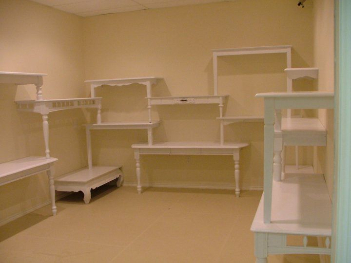 Amazing & Out of the Box Shop/Booth Idea for what is normally very boring spaces. Love it!  Table Shelving