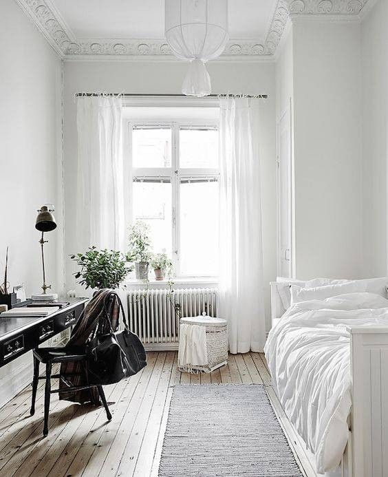 Small Bedroom Decor Inspiration Because Tiny Spaces Can Be A Blessing In Disguise White Bedroom Design Simple Bedroom Bedroom Interior