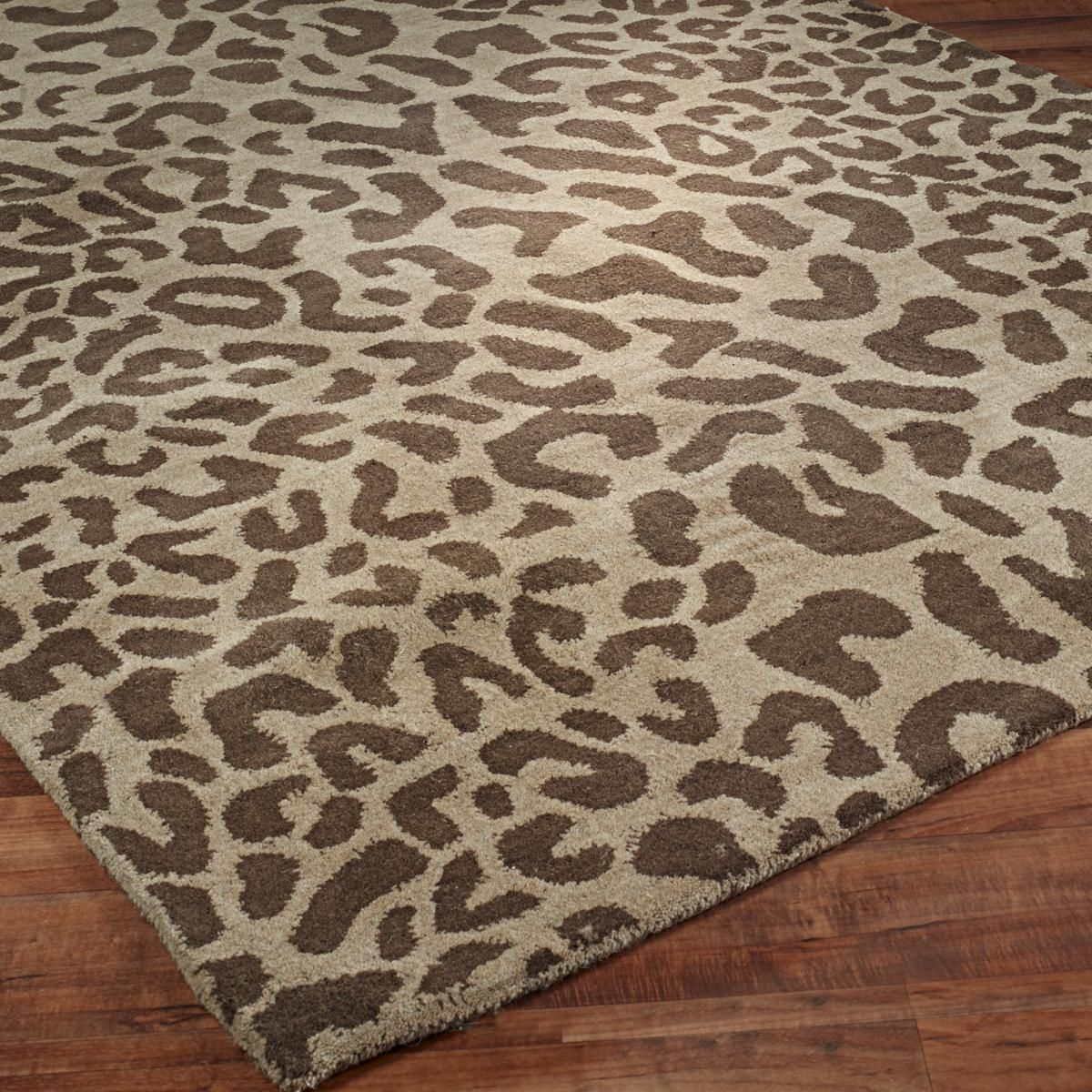 7afe6973bf √ Hand Tufted Modern Leopard Print Rug for living room