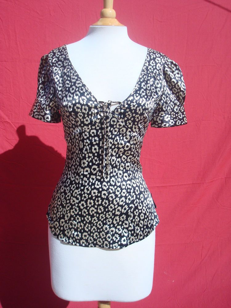 f03a04fa1a23a4 Guess Black White Stretch Polyester Spandex Short Sleeve Women Top Blouse  S/P #fashion #clothing #shoes #accessories #womensclothing #tops (ebay link)